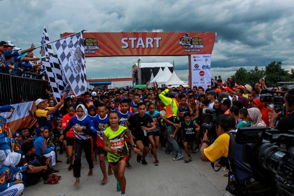 Lebih Dari 4.000 Orang Meriahkan Festival Jalan Tol Ngawi-Kertosono