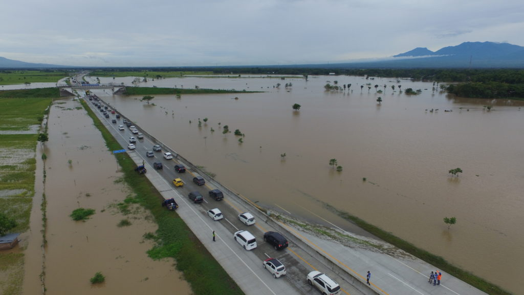 Terendam Banjir, Akses Tol Kertosono-Madiun KM 603-604 Dilakukan rekayasa lalu lintas Contraflow